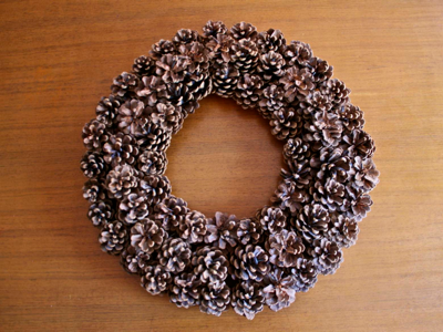 Pine cone wreath-www.PollyCastor.com