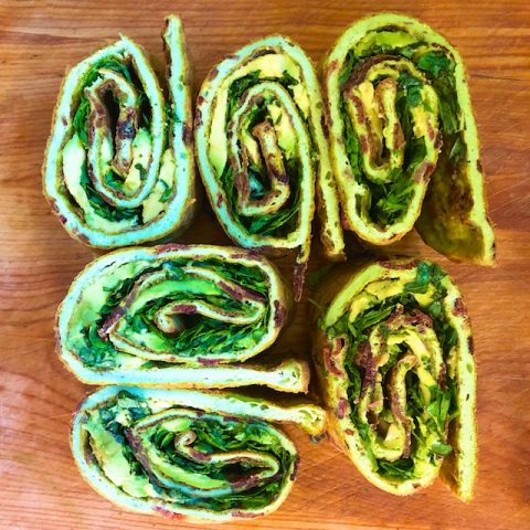 Egg Roll-up with Avocado and Herbs (Recipe)