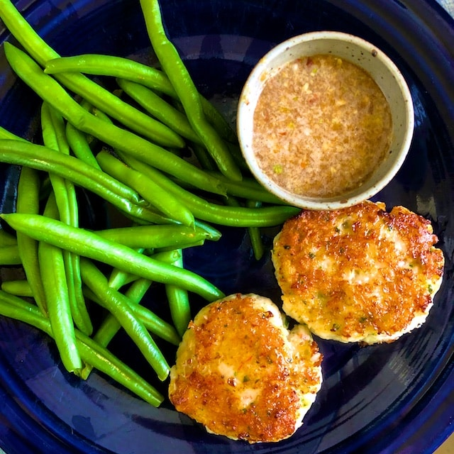 Shrimp Cakes with Dipping Sauce (Recipe)