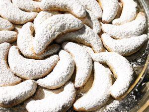 Almond Crescent Cookies (Recipe)