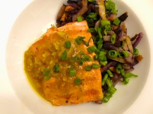 Grilled Salmon with Lemon Garlic Sauce (Recipe)